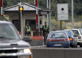 Germany_terror_arrest_cart_2