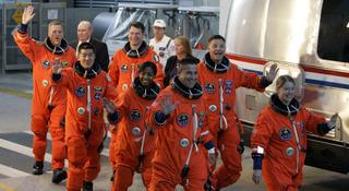 Space_shuttlewomen_rumb